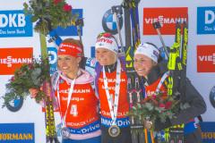 Mari Laukkanen, Gabriela Koukalová & Justine Braisaz på podiet i Holmenkollen, Oslo, Norge