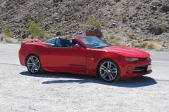 Vores lejebil, en Chevrolet Camaro Convertible, nu i Death Valley, USA