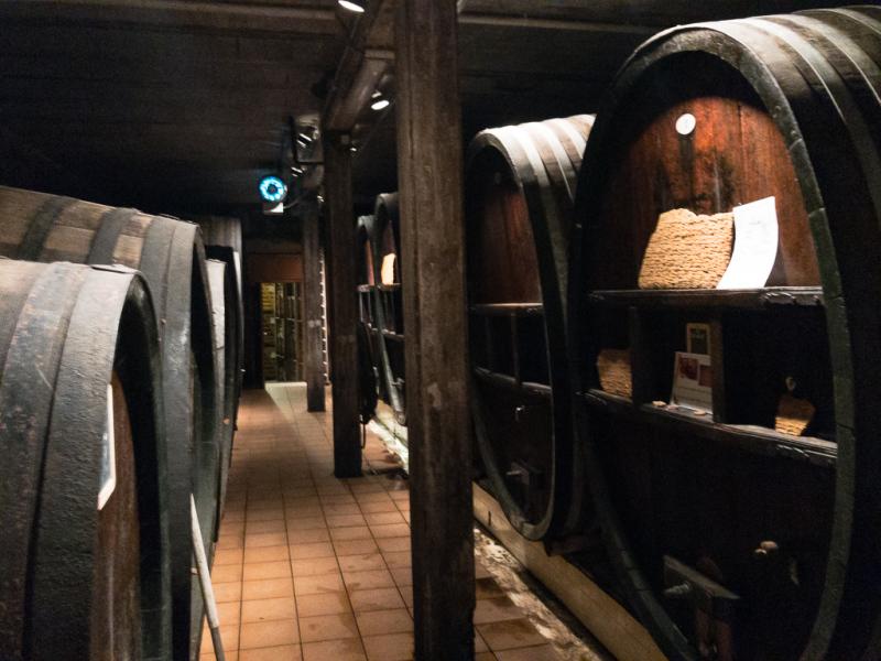 I kælderen hos Hugel i Riquewihr i Alsace