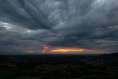 Stemningfuld solnedgang set fra Luigi Einaudi
