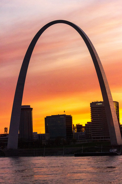Gateway Arch ved solnedgang, St. Louis, Missouri, USA