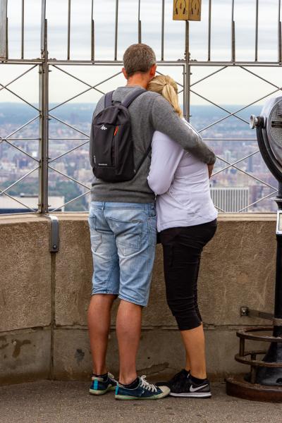 En kølig morgen på 86. etage af Empire State Building, New York, USA