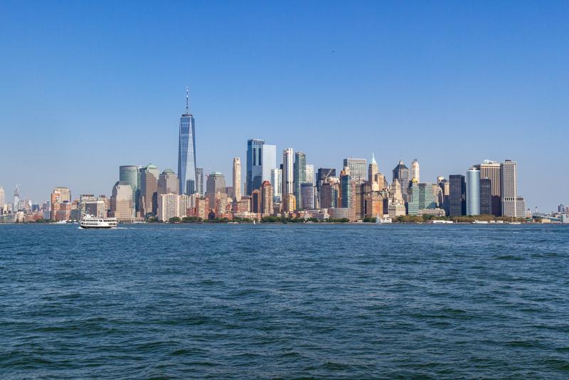 Manhattan Skyline set fra Ellis Island, New York, USA
