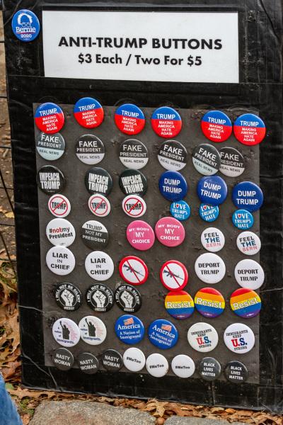 Anti-Idiot merchandise i Central Park, New York, USA