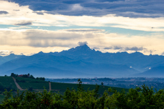 Monte Viso set fra Poderi Luigi Einaudi, Piemonte, Italien